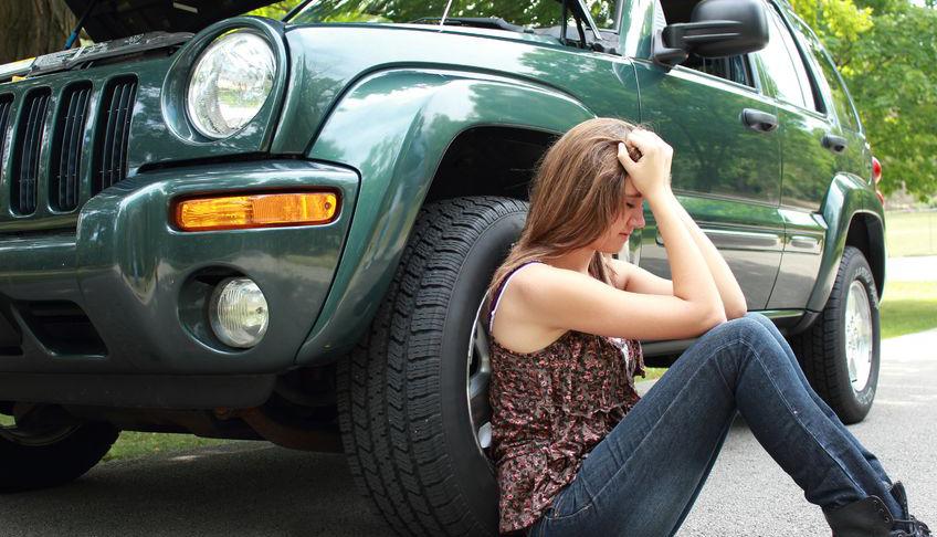 woman hurt after auto crash